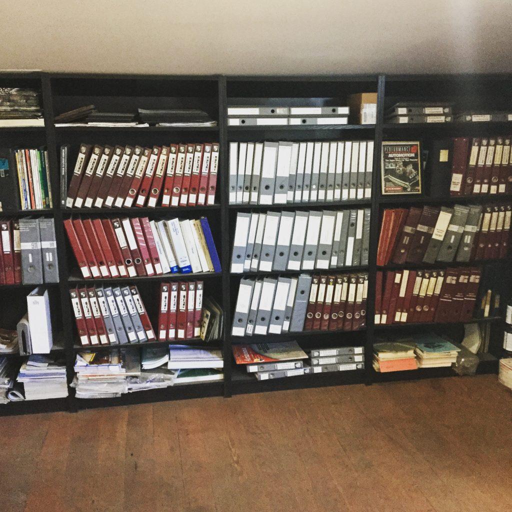 Library of Porsche Manuals. Start