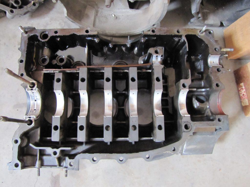 911 cojinetes principales dañados reemplazando piezas