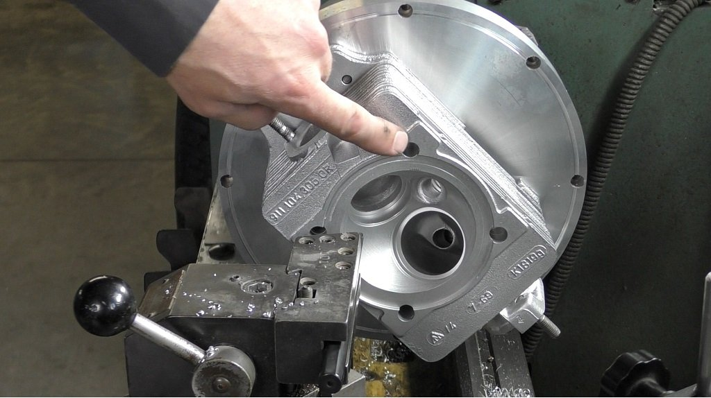 Setting up a cylinder head in the Lathe