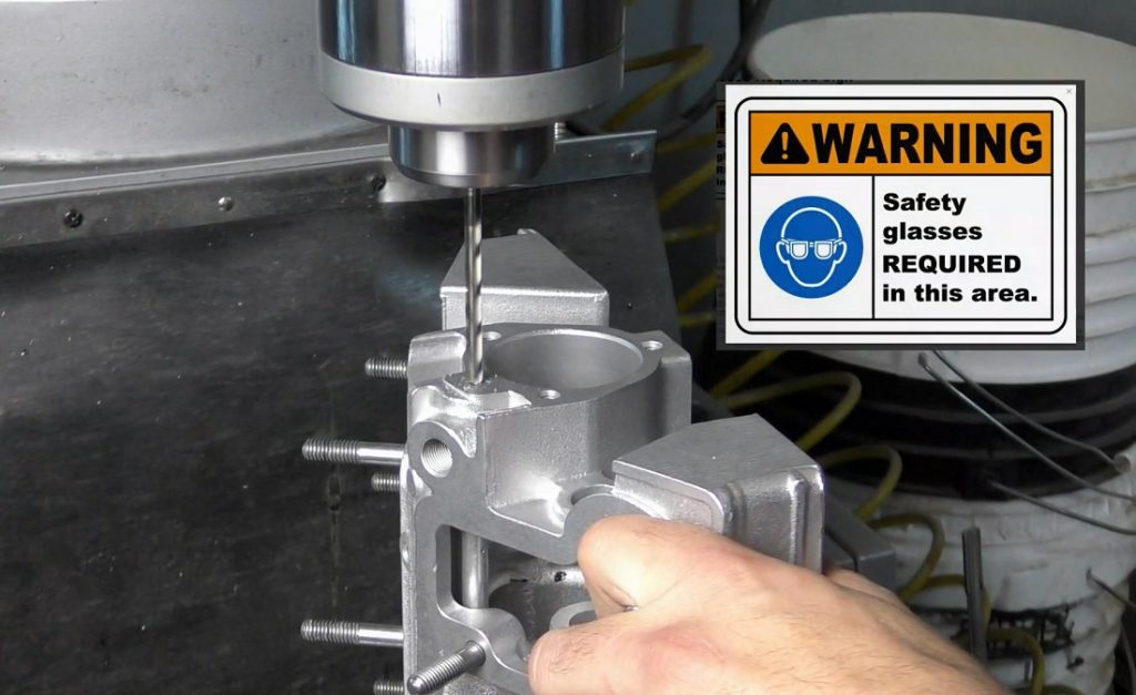 Extracción del tapón de la barra rociadora de la caja de la leva