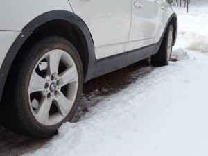 Is tire air pressure affected by cold weather driving