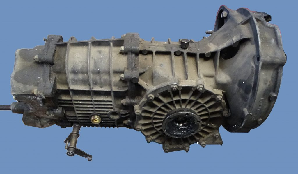 Porsche-915-transmission-rebuild-klassiats