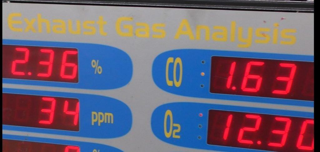 En un sistema de inyección de combustible CIS, necesita un analizador de gas para configurarlo correctamente